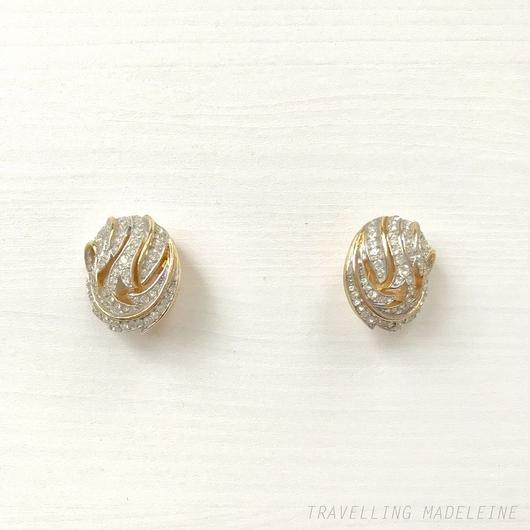 TRIFARI Rhinestone Round Leaf Clip Earrings ラインストーン リーフ ラウンド クリップイヤリング(W18-227E)