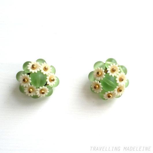 マーガレット 黄緑ビーズ クリップイヤリング Margaret &Lime Green Beads Clip Earrings(Su18-72E)