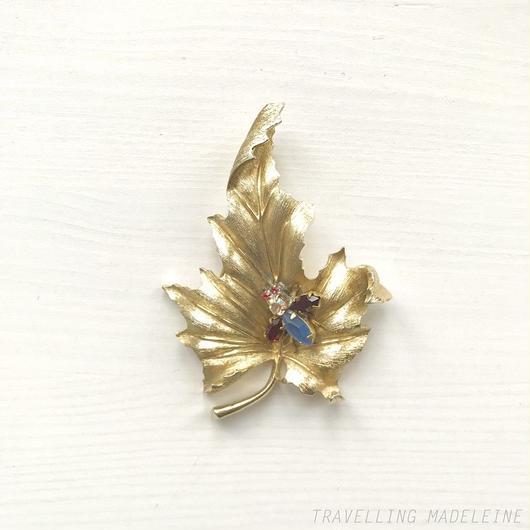 TRIFARI Gold Leaf & Bijoux Bug Brooch ゴールドリーフ & 虫ビジュー ブローチ(W18-102B)