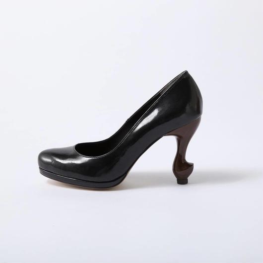 ちゃけちょけ 猫脚9cmプレーンパンプス エナメル型押し本革ブラック