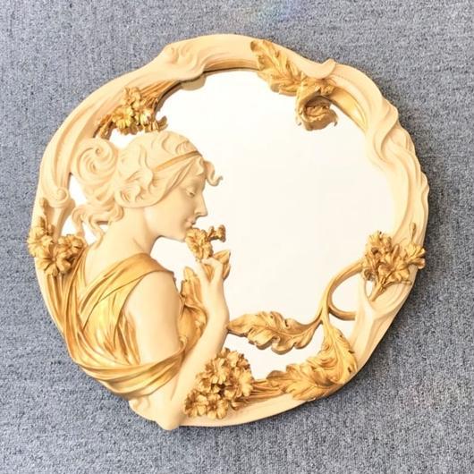 女神のウォールミラー(壁掛け鏡)