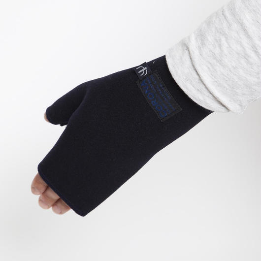 "CORONA CA052 - HAND MADE ""CASHMERE GLOVE"" by LUCY TAYLOR"