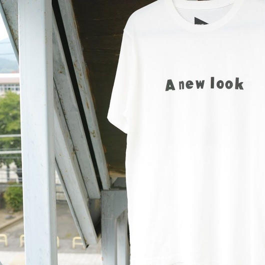 FUNG. A new look Tシャツ