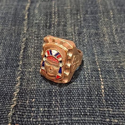 1950s  Mexican ring