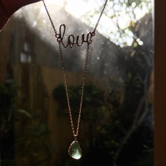 Love ネックレス w/メデトレニアン シーグラス