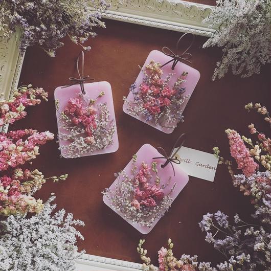 ピンクのデルフィニウムサシェ