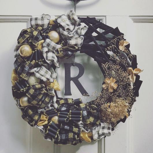 ウェルカムクリスマスリース(ブラック&ゴールド)