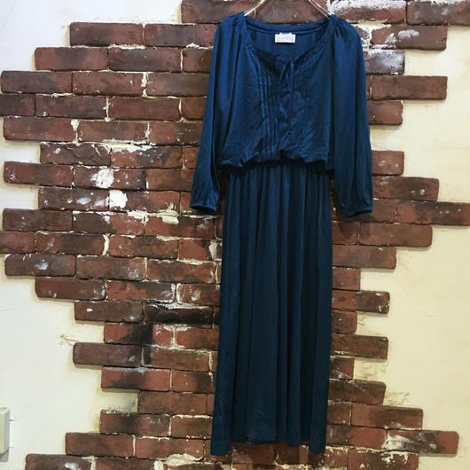 VINTAGE LADIES NAVY DRESS