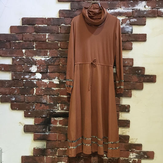 VINTAGE HI NECK L/S DRESS