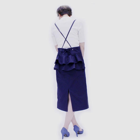 #タイトカットソーに合わせたい2WAYバックフリルサロペットスカート 品番:1137402 カラー:ナイト
