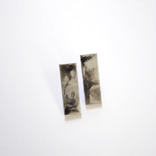marble ナガシカク pierce/earrings BLACK