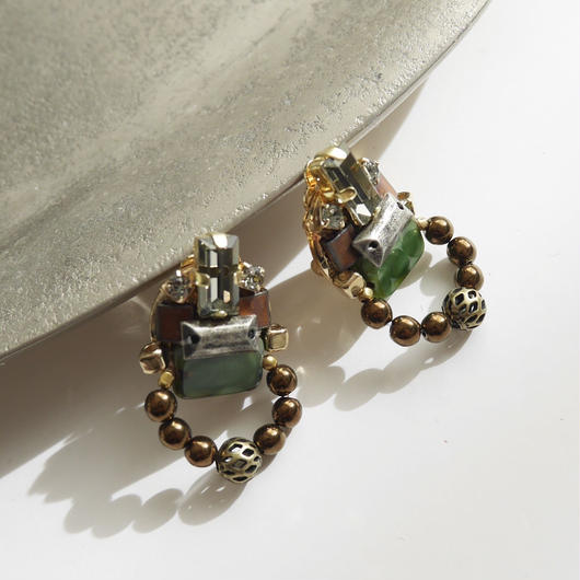 amulet pierce/earrings GREEN