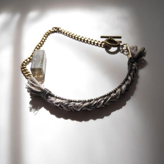 brass thread short necklace GRAY
