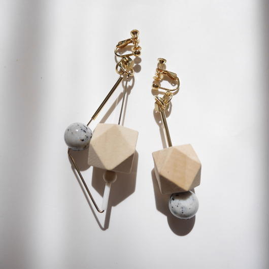 triangle pierce/earrings BEIGE