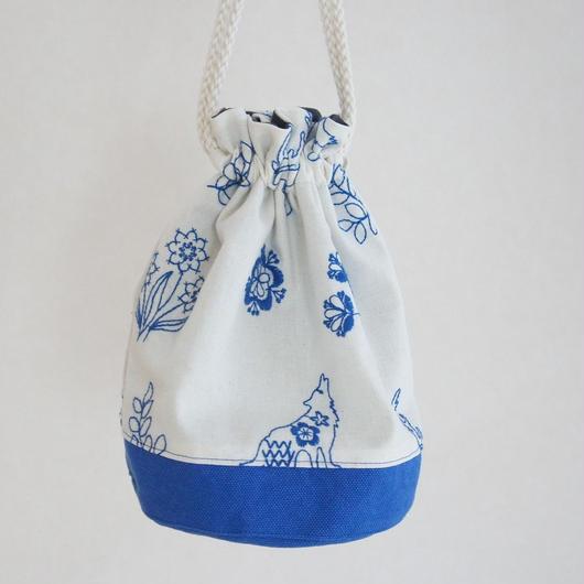刺繍布の巾着バッグ