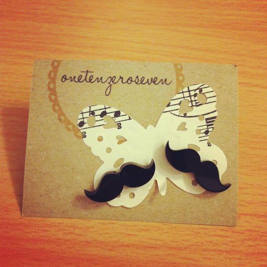 Mustache♥ピアス