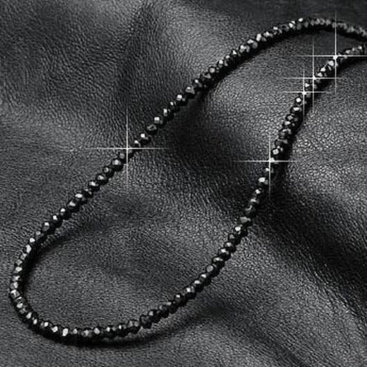まだまだ売れてる 天然のブラックスピネルがSILVER925 巾着付き!