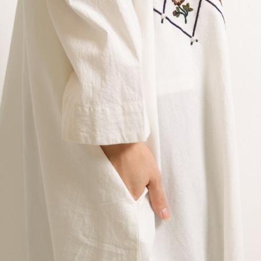 菱形和お花刺繍Vカット長袖サイドスリットシャツワンピース