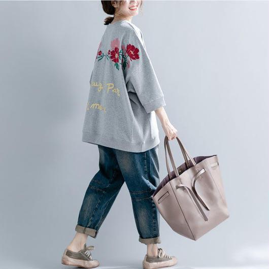 【レディース】オーバーサイズ刺繍トレーナ 1色