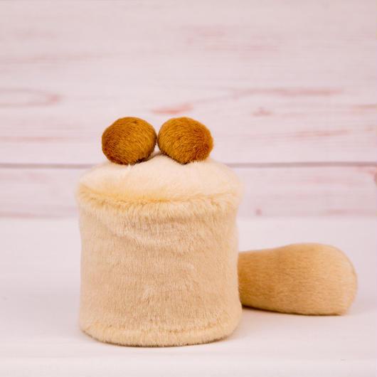 ペット用骨壺カバー / サイズ:3寸 / ベース:クリーム / ボンボン:ブラウン・ブラウン / しっぽ:クリーム(S010)