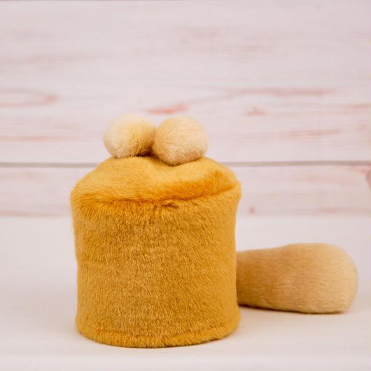 ペット用骨壺カバー / サイズ:3寸 / ベース:ブラウン / ボンボン:クリーム・クリーム / しっぽ:クリーム(S061)