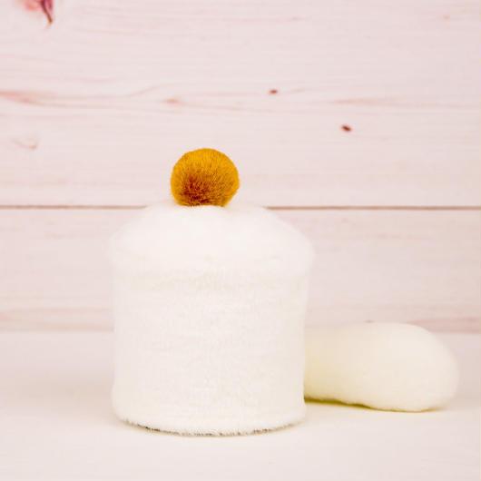 ペット用骨壺カバー / サイズ:3寸 / ベース:白 / ボンボン:ブラウン / しっぽ:白(S081)