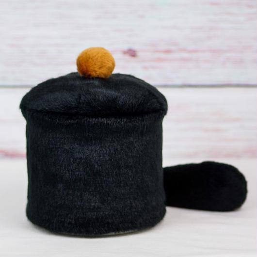 ペット用骨壺カバー / サイズ:4寸 / ベース:黒 / ボンボン:ブラウン  / しっぽ:黒(S188)
