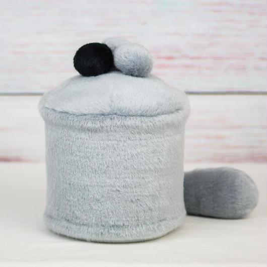 ペット用骨壺カバー / サイズ:4寸 / ベース:グレー / ボンボン:グレー・グレー・黒 / しっぽ:グレー(S158)