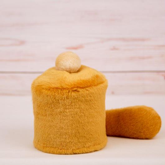 ペット用骨壺カバー / サイズ:3寸 / ベース:ブラウン / ボンボン:クリーム / しっぽ:ブラウン(S051)