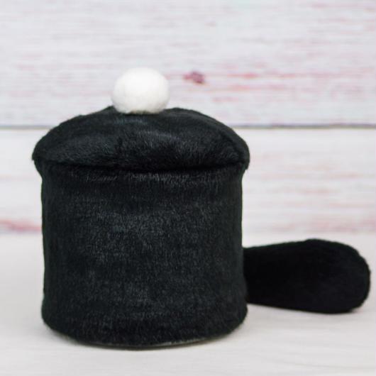 ペット用骨壺カバー / サイズ:4寸 / ベース:黒 / ボンボン:白 / しっぽ:黒(S193)
