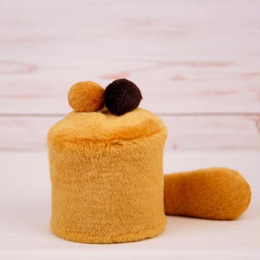 ペット用骨壺カバー / サイズ:3寸 / ベース:ブラウン / ボンボン:ブラウン・ダークブラウン / しっぽ:ブラウン(S047)