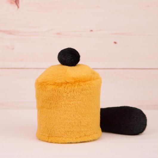 ペット用骨壺カバー / サイズ:3寸 / ベース:ブラウン / ボンボン:黒 / しっぽ:黒(S041)