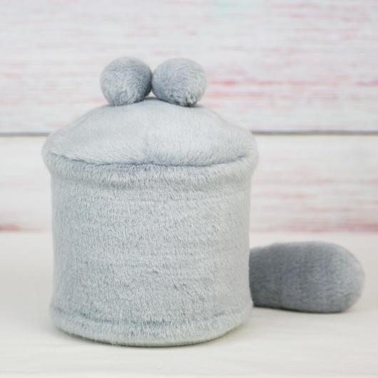 ペット用骨壺カバー / サイズ:4寸 / ベース:グレー / ボンボン:グレー・グレー / しっぽ:グレー(S167)