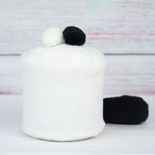 ペット用骨壺カバー / サイズ:4寸 / ベース:白 / ボンボン:黒・白 / しっぽ:黒(S121)