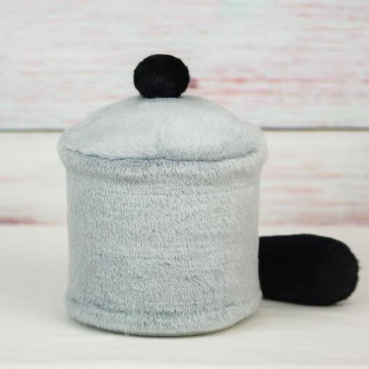 ペット用骨壺カバー / サイズ:4寸 / ベース:グレー / ボンボン:黒 / しっぽ:黒(S156)
