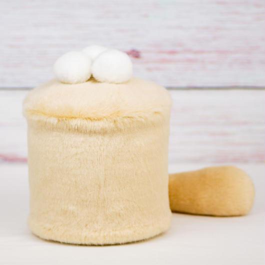 ペット用骨壺カバー / サイズ:4寸 / ベース:クリーム / ボンボン:白・白・白 / しっぽ:クリーム(S184)