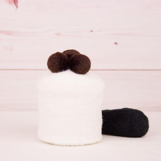 ペット用骨壺カバー / サイズ:3寸 / ベース:白 / ボンボン:ダークブラウン・ダークブラウン・ダークブラウン / しっぽ:黒(S083)
