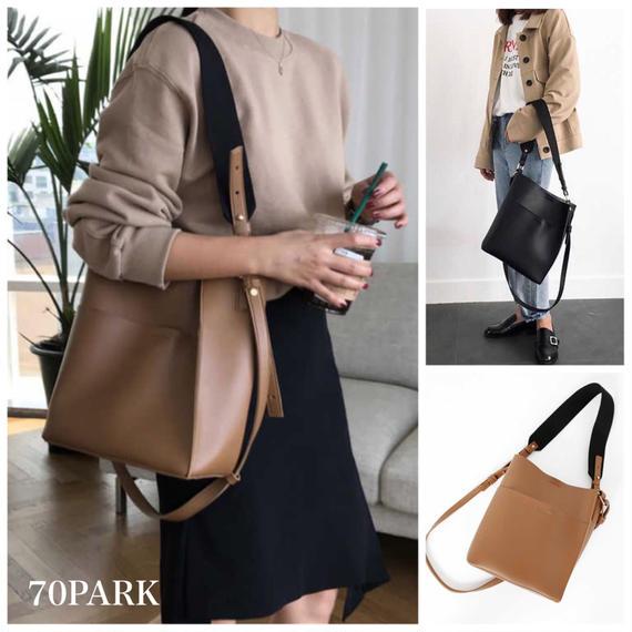 # 2way Large Pocket Shoulder Bag  ビッグポケット 大容量 ショルダーバッグ 全2色 A4