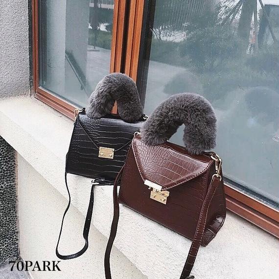 # Croc Faux Fur Handle Bag ファーハンドル クロコ型押し ショルダー バッグ 全2色