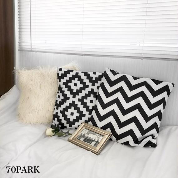 #Geometric Cushion Cover  ジオメトリック モノトーン クッションカバー 全2タイプ 白黒 幾何学柄
