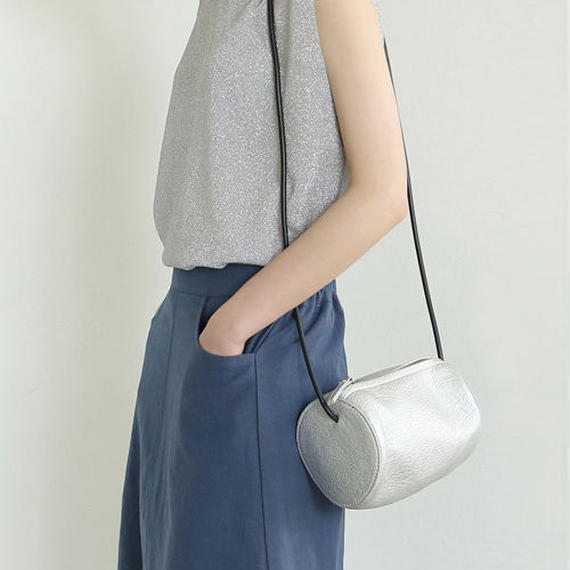 roundish mini bag