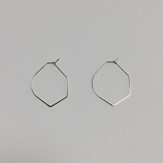 shape wire pierced earrings