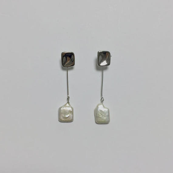 square shell pierced earrings