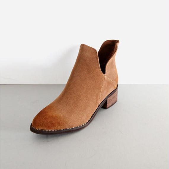 slit design suede ankle boots