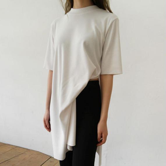 deep slit long T-shirt
