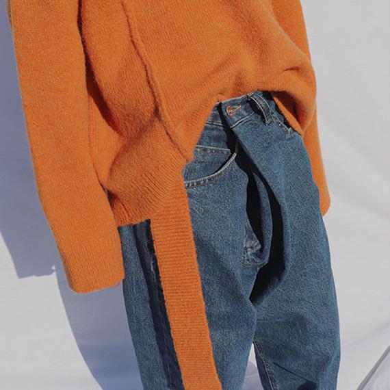 tucked denim pants