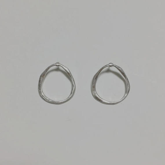 craft round pierced earrings
