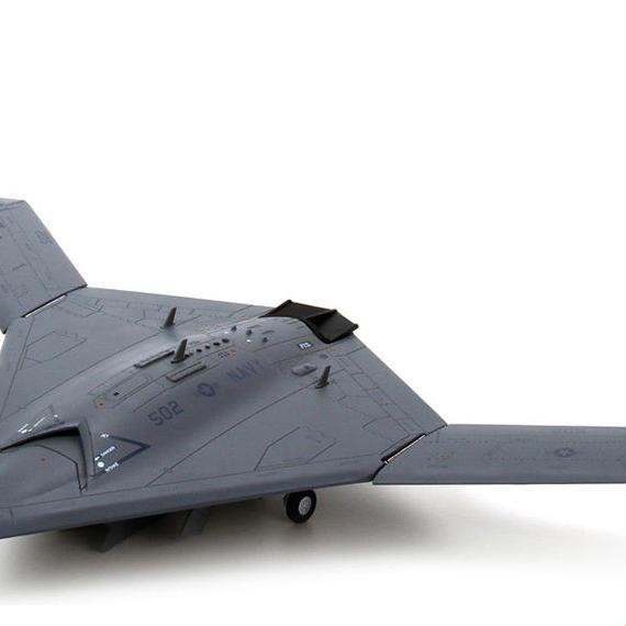 【新品】1/72 Northrop Grumman X-47B ノースロップ・グラマン モデルエアクラフト 航空機
