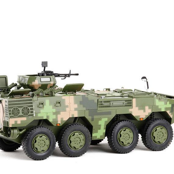 【新品】1/28 2010 8x8 装甲車両 アームドトランスポーター モデルカー