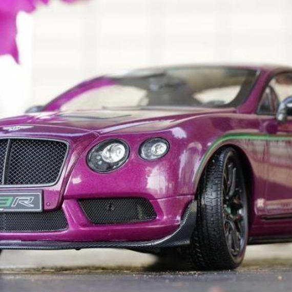 【新品】1/18 Bentley Continental GT3-R ベントレー・コンティネンタル モデルカー